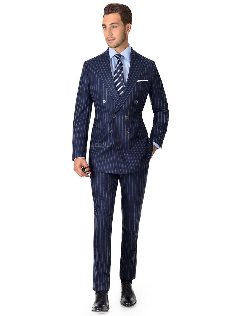 Синий фланелевый костюм в меловую полоску