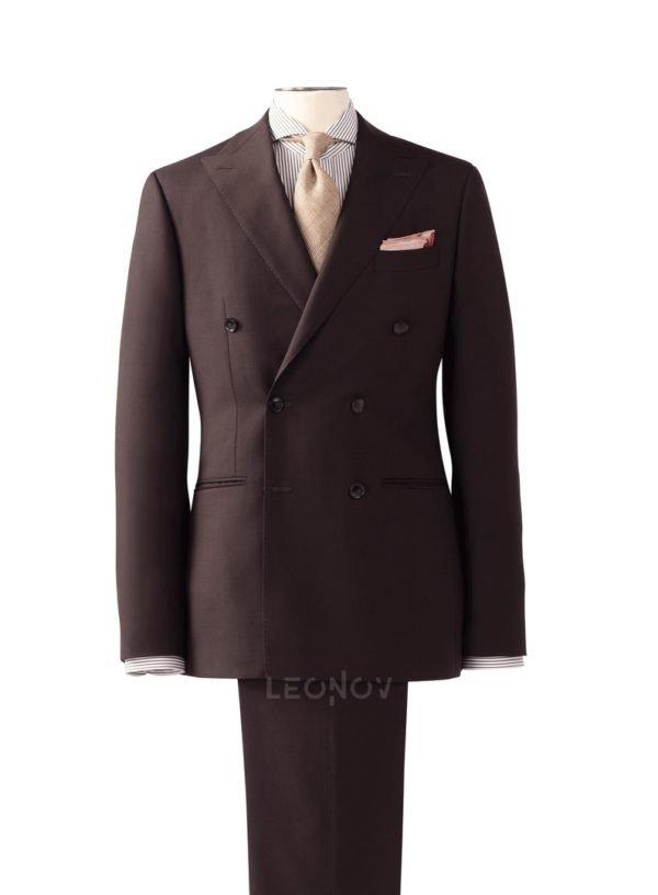 Мужской костюм шоколадного цвета с паттерном