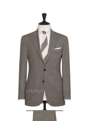 Классический серый мужской костюм