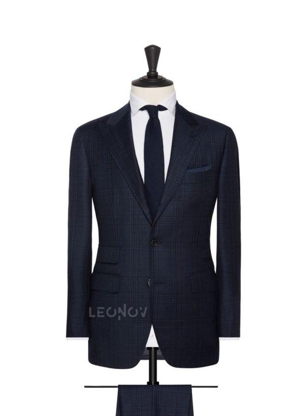 Синий костюм в легкую серую клетку