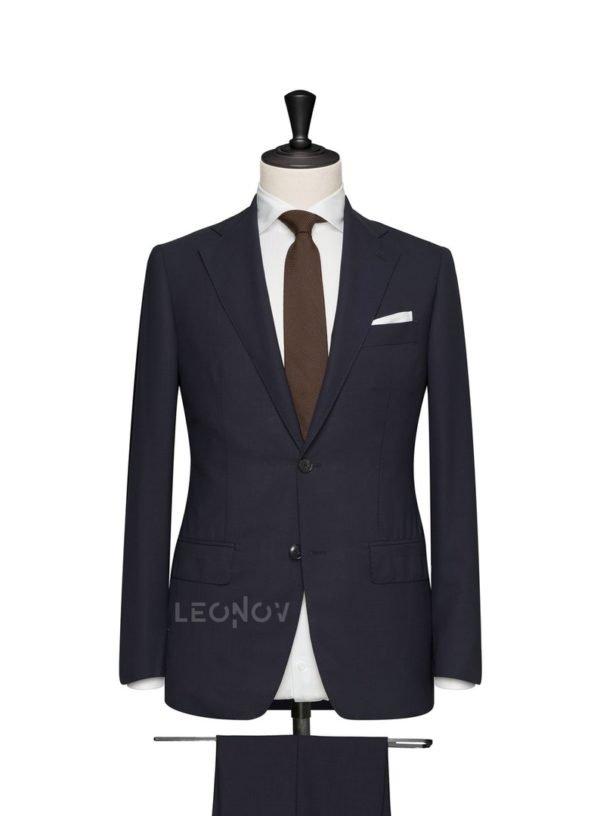 Классический синий мужской костюм
