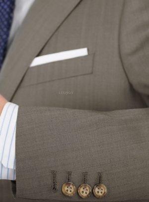 Костюм из шерсти и шелка светло-коричневый