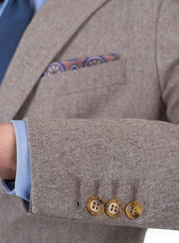 Светло-коричневый фланелевый костюм