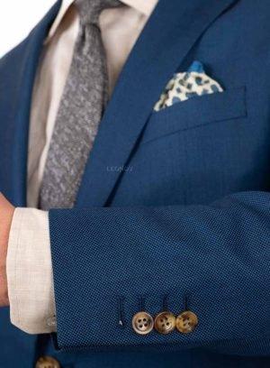 Бирюзовый костюм с паттерном