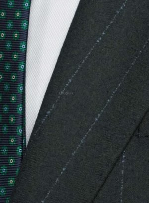 Синий костюм в сине-зеленую полоску