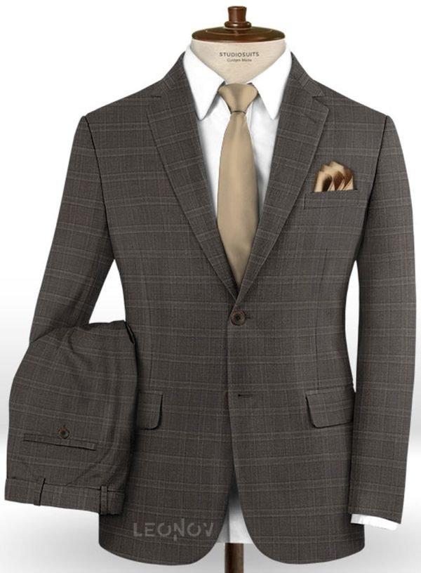 Деловой коричневый костюм в светлую клетку из шерсти