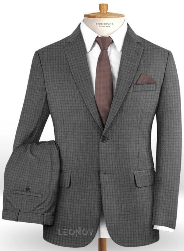 Офисный серый костюм в мелкую клетку из шерсти