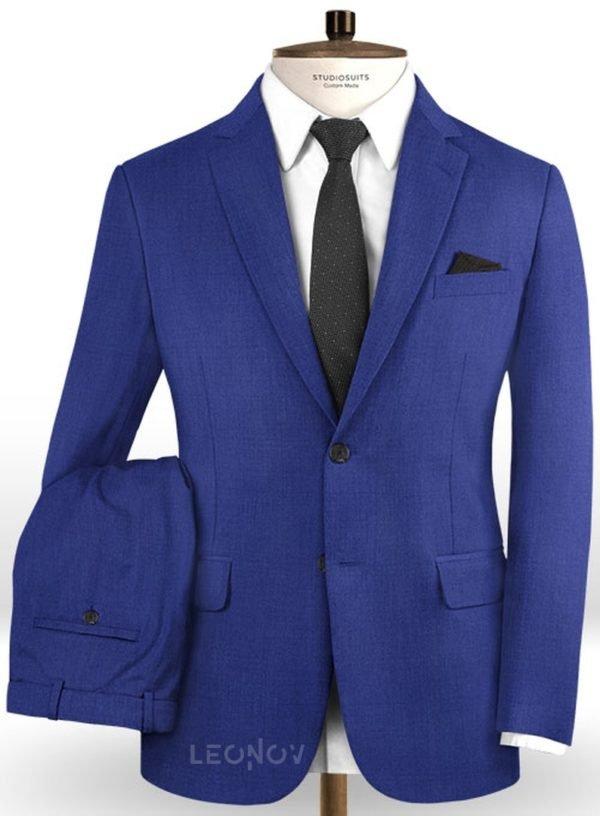 Ярко синий костюм из шерсти