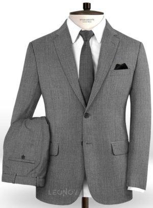 Серый костюм из шерсти