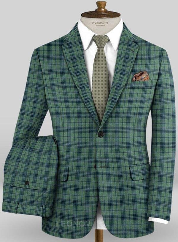 Зеленый костюм в синюю клетку из шерсти