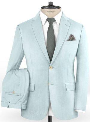 Бледно голубой костюм из шерсти