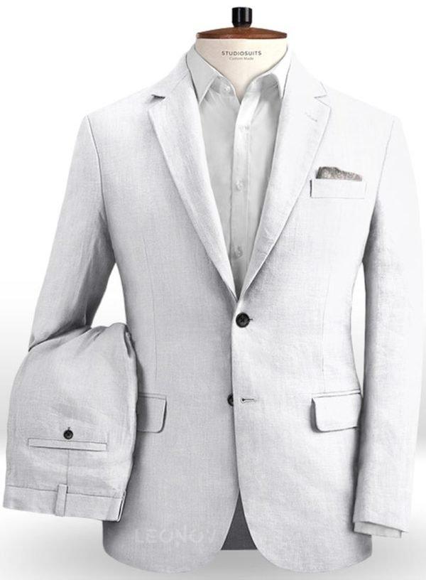 Летний белый костюм из льна