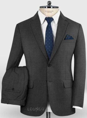 Деловой классический угольно-серый костюм из шерсти