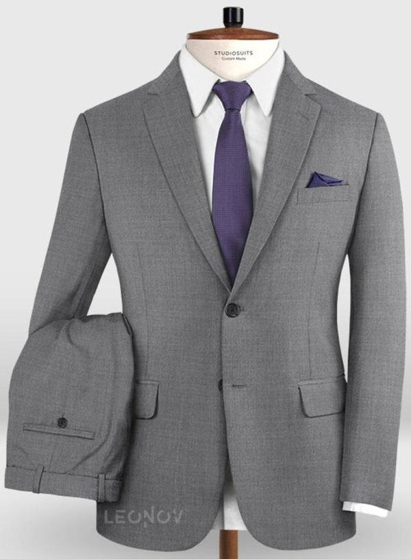 Деловой классический серый костюм из шерсти