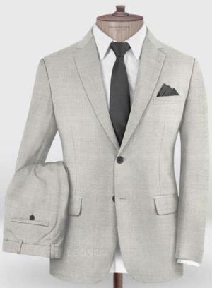 Классический светло-серый костюм из шерсти
