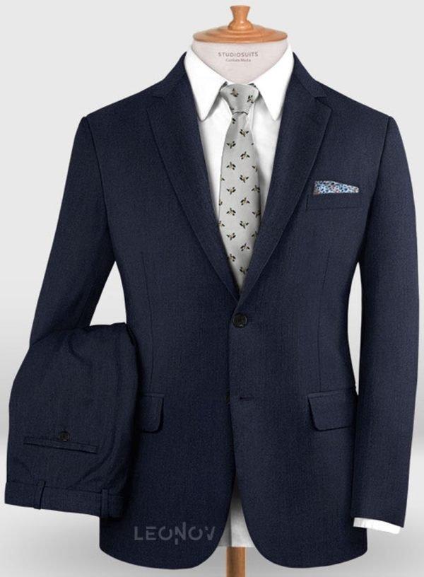 Деловой классический темно-синий костюм из шерсти