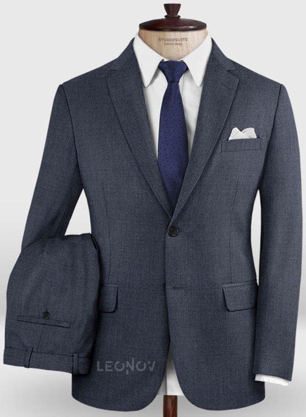 Деловой насыщенно синий костюм из шерсти